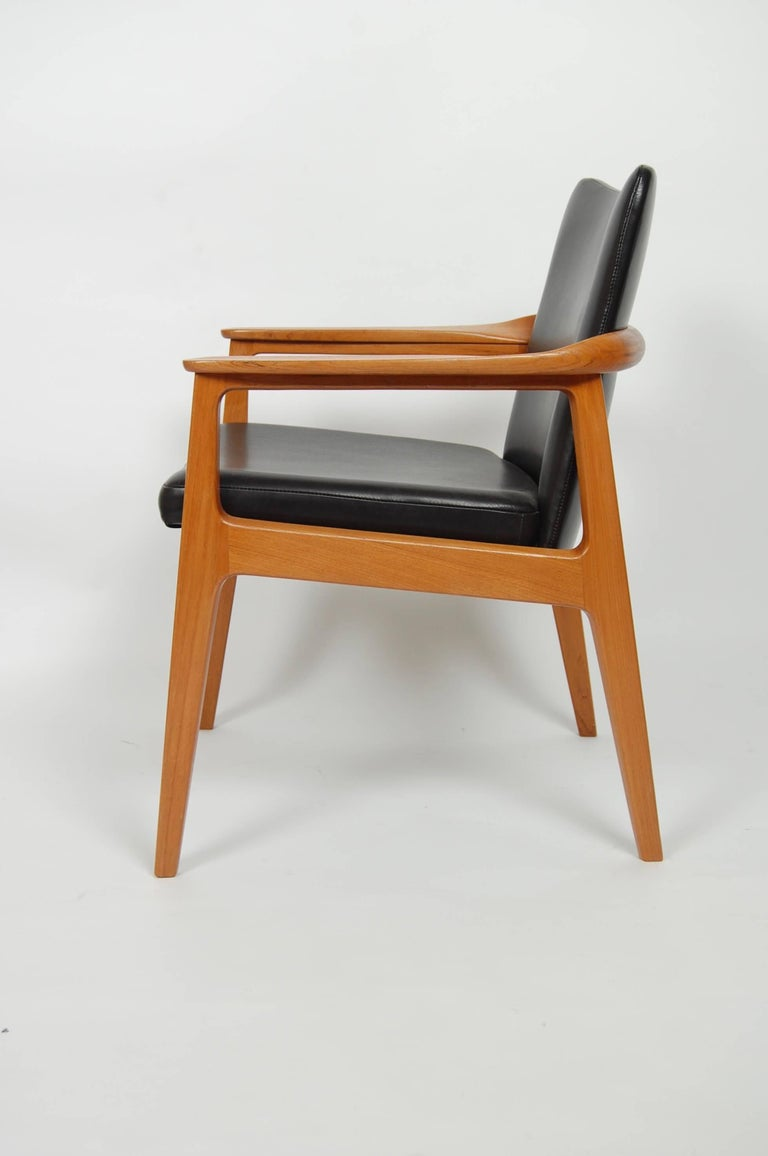 France & Sons Teak & Leather Armchair by Count Sigvard Bernadotte Danish Modern In Excellent Condition For Sale In San Francisco, CA