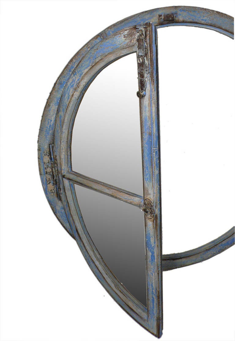 France 17th Century Pair of Big Round Frame Mirrors For Sale 2