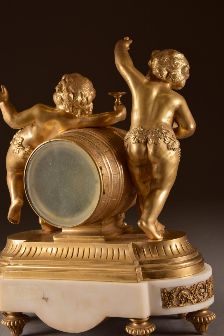 France, second Empire pendule (1840-1860) large Cupido Clock with 2 candlesticks For Sale 6
