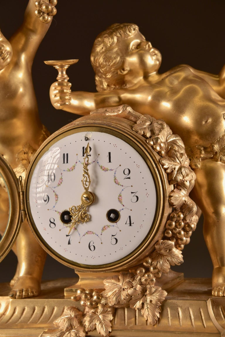 Bronze France, second Empire pendule (1840-1860) large Cupido Clock with 2 candlesticks For Sale