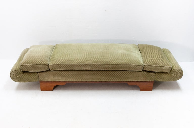 Beautiful France drop arm daybed, 1920-1930. Some years ago, the upholstery on this daybed is completely redone. Included the springs. Good condition, no stains or smells. This bed can be used as a bed or a sofa, Great looking piece.