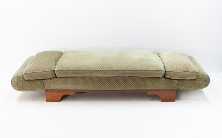 France Art Deco drop arm daybed  In Good Condition In Den Haag, NL