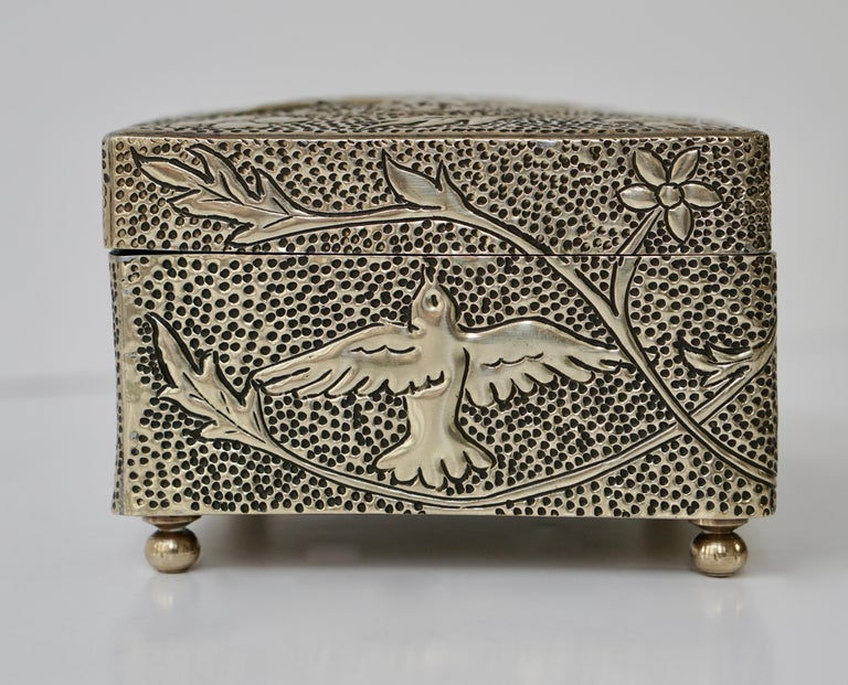 France Art Nouveau Silvered Jewelry Box Casket, circa 1900 For Sale 5