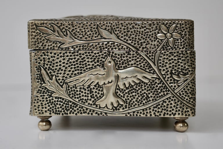 France Art Nouveau Silvered Jewelry Box Casket, circa 1900 For Sale 9