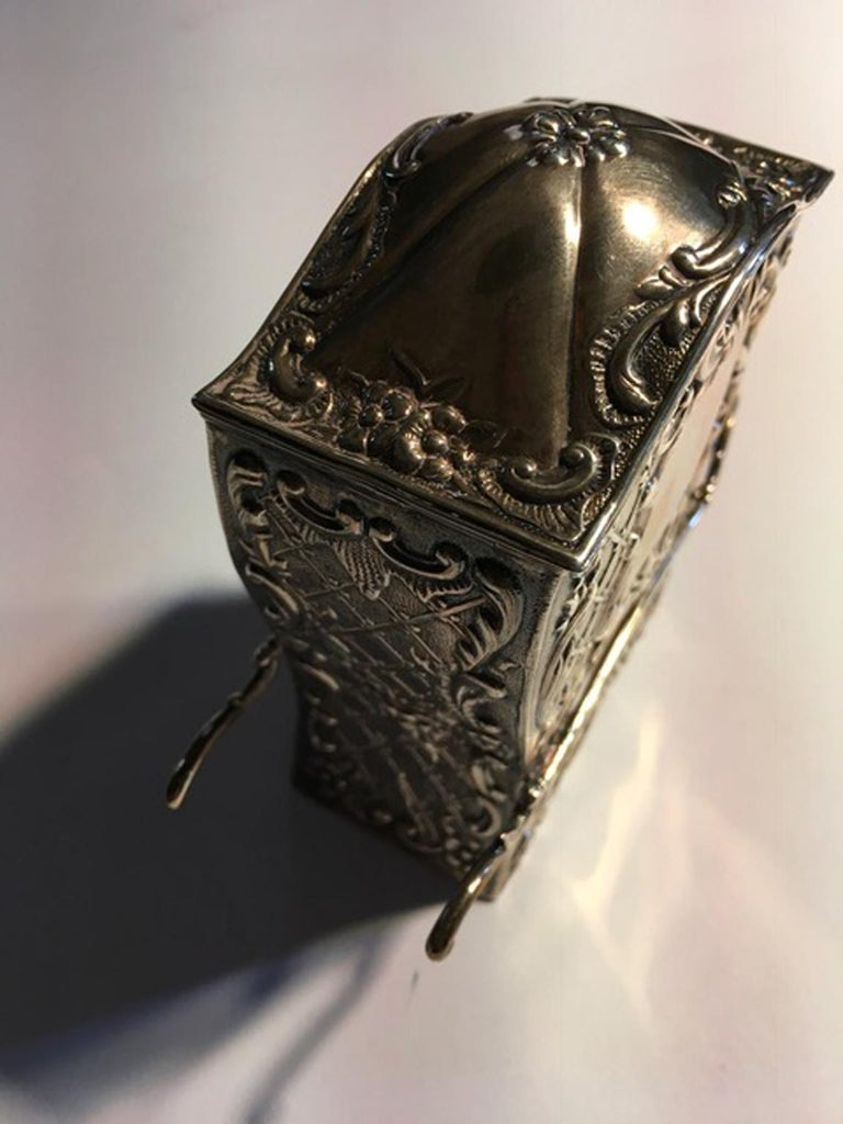 France Late 18th century silver carriage shape box in Victorian Style  This magnificent piece of art of silver jewelery. It is an example of high level of French artisans hand-crafting work. Every detail is finely chiseled. An unusual and elegant