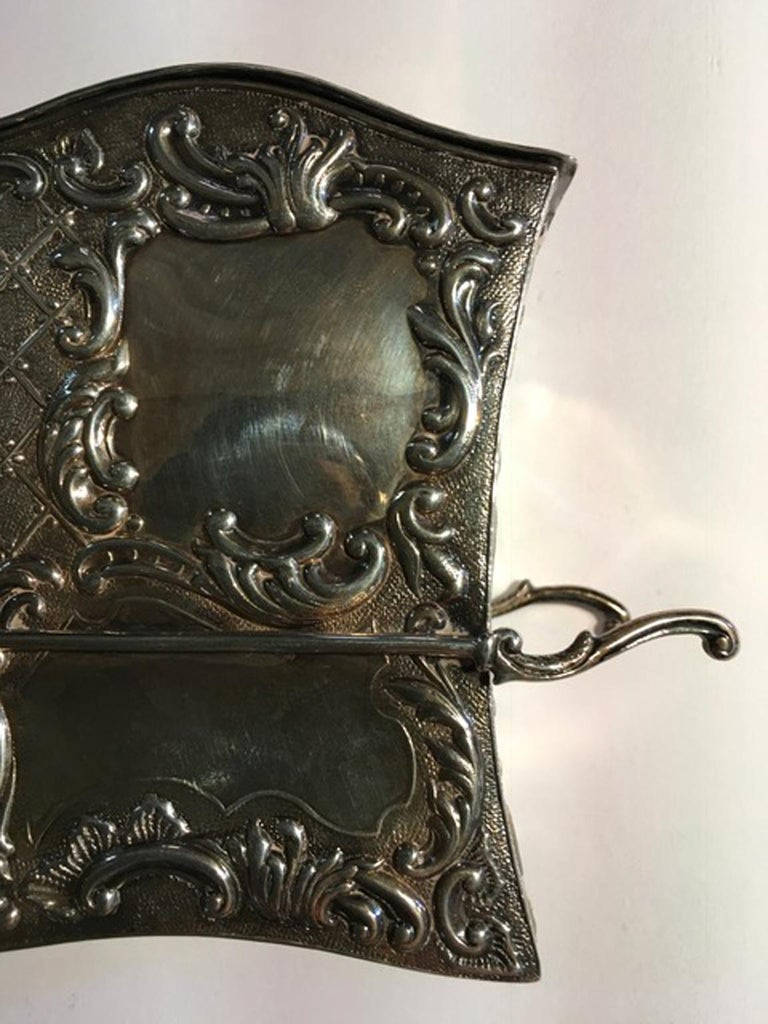 France Late 18th Century Silver Carriage Shape Box in Victorian Style In Good Condition For Sale In Brescia, IT
