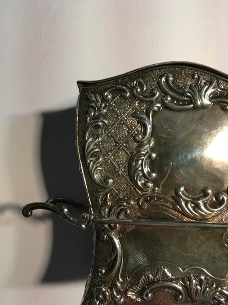 France Late 18th Century Silver Carriage Shape Box in Victorian Style For Sale 1