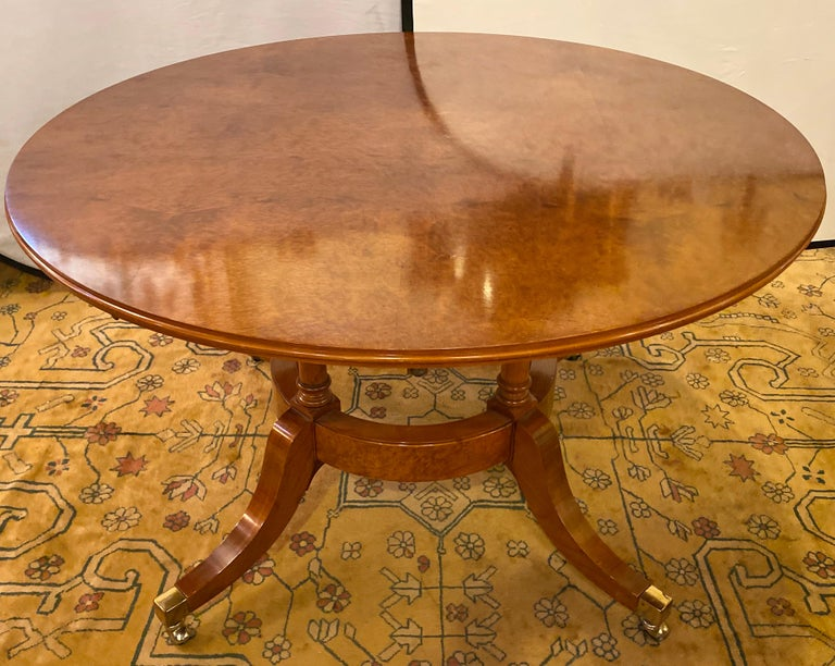 Francesco Molon Regency Style Dining Center Table by Giemme In Good Condition For Sale In Stamford, CT