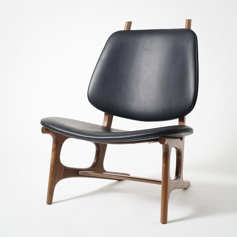 Francis Easy Chair with Walnut Frame and Leather Upholstery In New Condition For Sale In Stevenson, WA