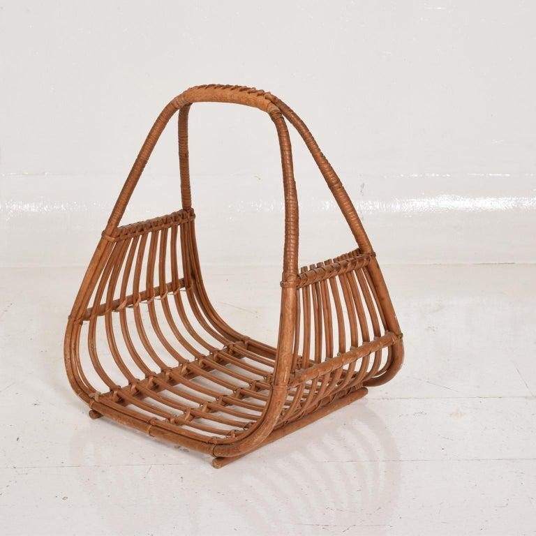 Mid-Century Modern Italian magazine rack holder basket attributed to the design of Franco Albini.