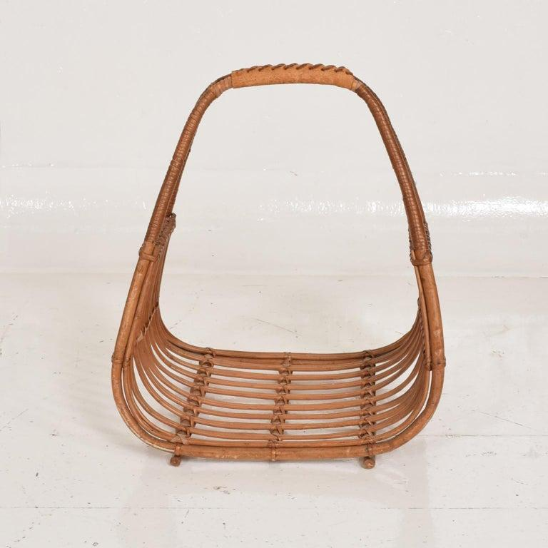 Franco Albini Leather Rattan Basket Italian Magazine Holder Rack  - 1960s Italy For Sale 3