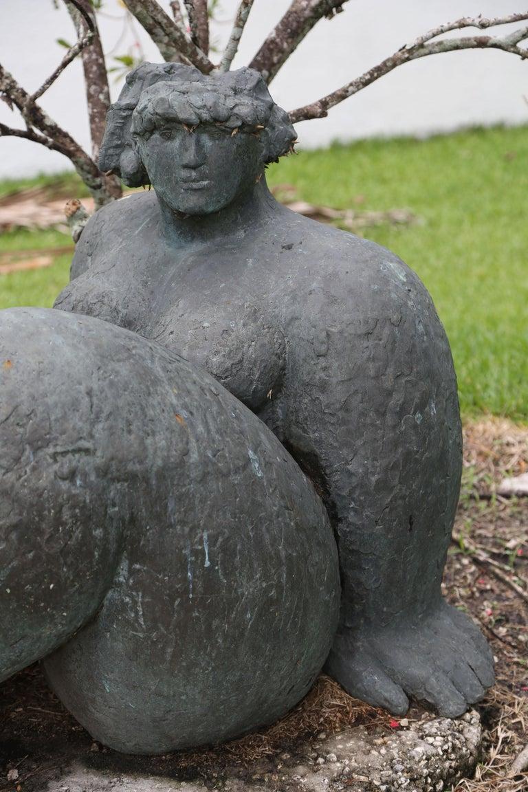 Figura Seduta - Gold Nude Sculpture by Franco Franchi