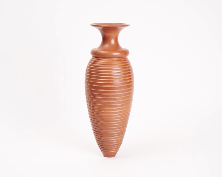 The glazed terracotta pots of Françoise Blondeau and AÏt Lhaj Hassan possess a symmetry and balance that pits their natural, earthy medium against an elegant beauty specific to man-made objects.