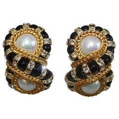 Francoise Montague Figure 8 Clip Earrings