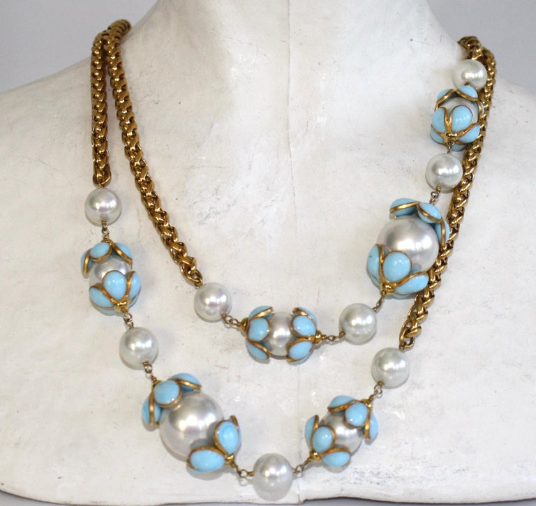 Francoise Montague Glass Pearl and Blue Pate de Verre Sautoir Necklace In New Condition For Sale In Virginia Beach, VA
