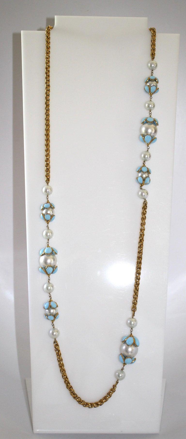 Women's Francoise Montague Glass Pearl and Blue Pate de Verre Sautoir Necklace For Sale