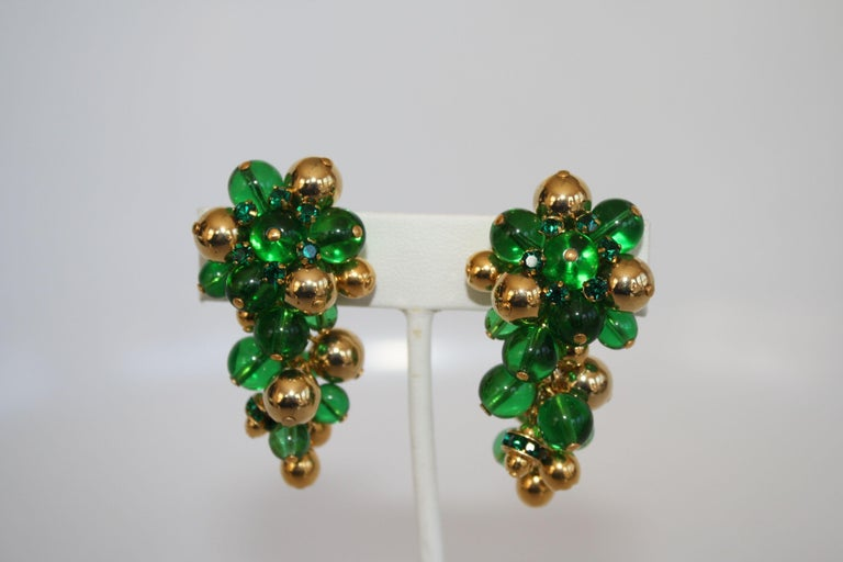 Francoise Montague Green and Gold Grape Inspired Clips In New Condition For Sale In Virginia Beach, VA
