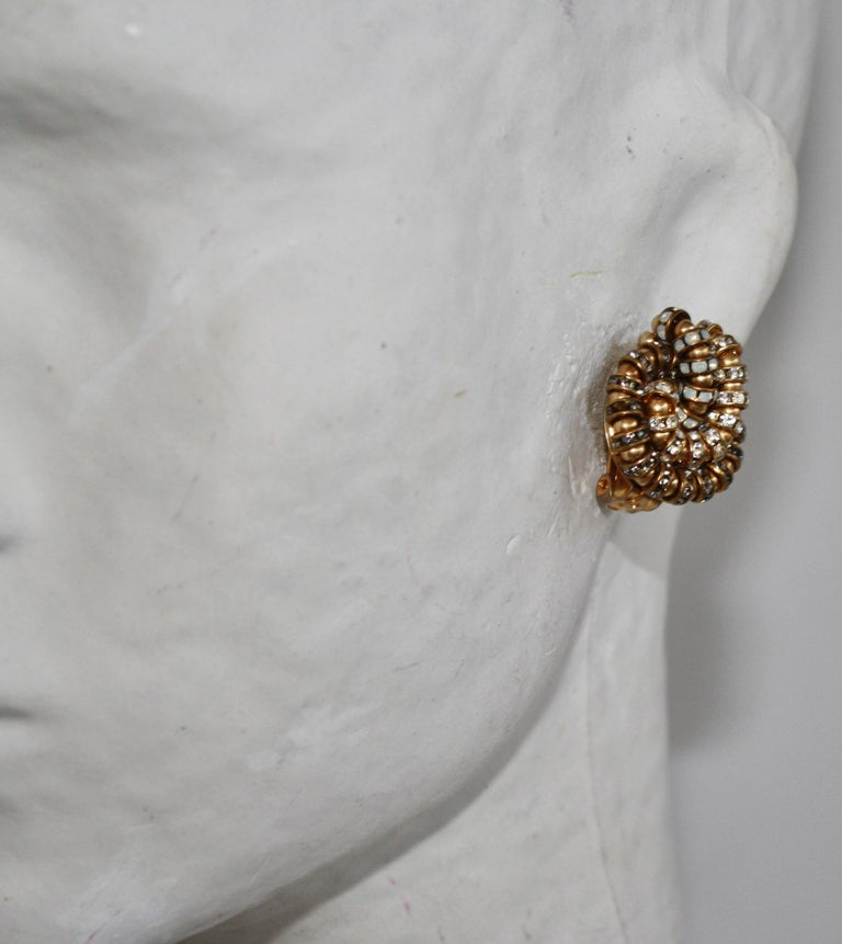 Françoise Montague Knot Clip Earrings  In New Condition For Sale In Virginia Beach, VA