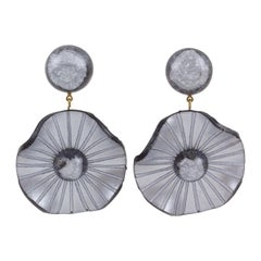 Francoise Montague Paris clip-on Earrings Pearl Gray Resin Dangle Waved Flower