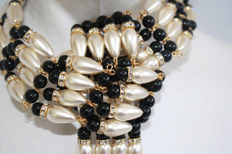 Francoise Montague Pearl and Crystal Knot Choker Necklace In New Condition For Sale In Virginia Beach, VA