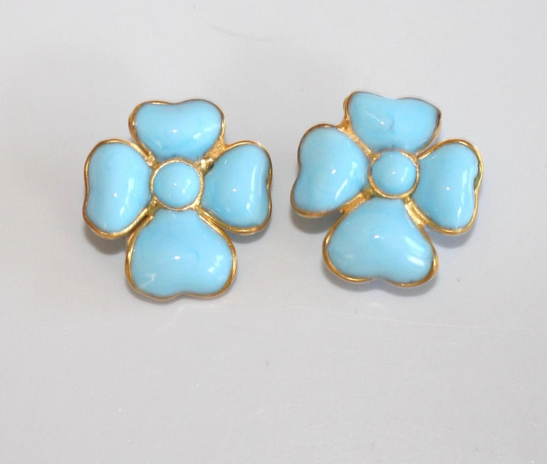 Francoise Montague Turquoise Amalfi Clover Clip Earrings In New Condition For Sale In Virginia Beach, VA