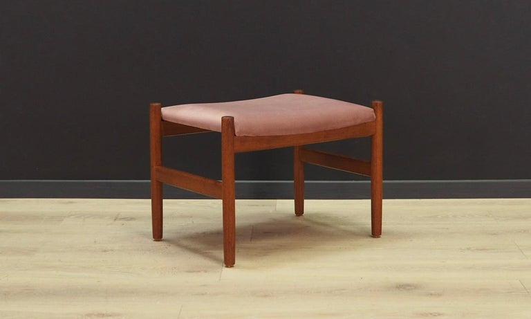 Brilliant footrest from the 1960s-1970s. Scandinavian design - Hugo Franssen's design produced by Spottrup Stolefabrik. New upholstery made of velour in pink, solid teak construction. Maintained in good condition (minor bruises and scratches on the
