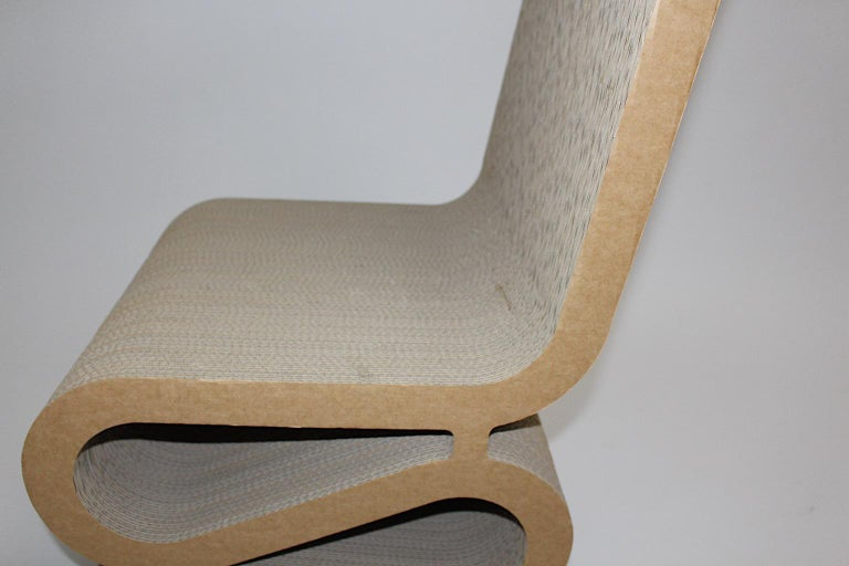 Frank Gehry Attributed Vintage Curved Cardboard Side Chair or Chair, 1970s For Sale 10