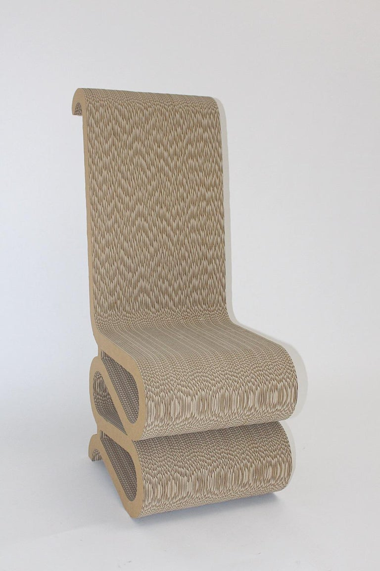 Frank Gehry Attributed Vintage Curved Cardboard Side Chair or Chair, 1970s In Good Condition For Sale In Vienna, AT