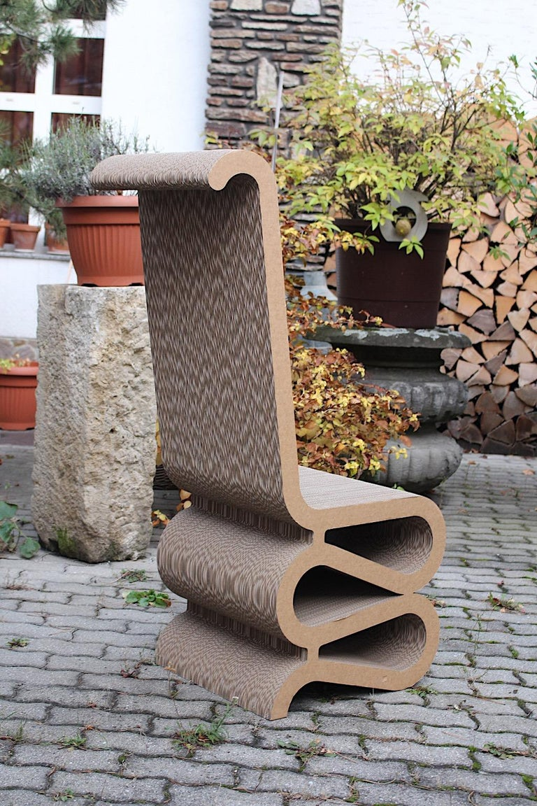 Frank Gehry Attributed Vintage Curved Cardboard Side Chair or Chair, 1970s For Sale 1