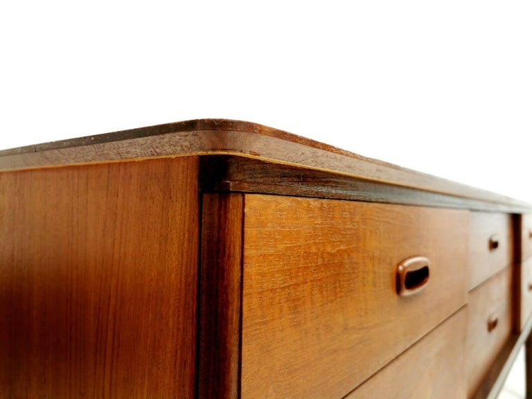 Frank Guille for Austinsuite Teak Midcentury Sideboard Chest of Drawers, 1960s For Sale 1