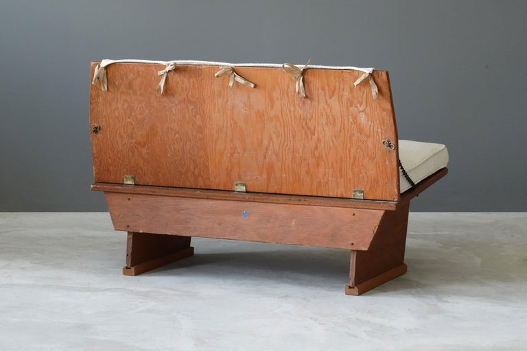Frank Lloyd Wright Bench from Unitarian Church, Pine Plywood, Steel, Fabric 1951 In Good Condition For Sale In West Palm Beach, FL