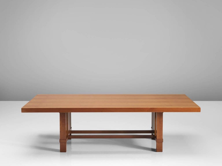 Frank Lloyd Wright 'Taliesin' Dining Table for Cassina In Good Condition For Sale In Waalwijk, NL