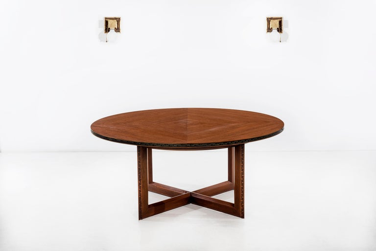 Frank Lloyd Wright Taliesin Low Round Dining Table In Good Condition For Sale In Chicago, IL