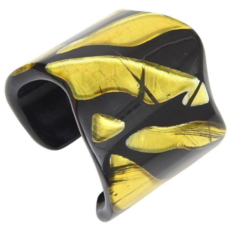 Frank Vigneri Signed Plexiglass Sculptural Cuff Bracelet Italian  For Sale