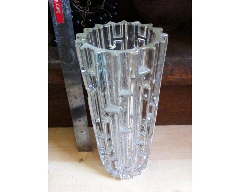 Frantisek Vizner, Sklo Union Czech art glass.  The Maze'. A good Mid-Century Modern art glass vase.