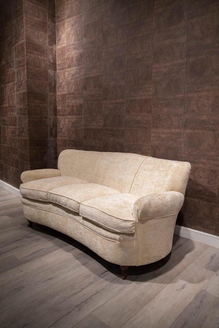 Mid-Century Modern Fratelli Barni Brianza Mid-20 Century Italian White Curves Three-Seat Sofa For Sale