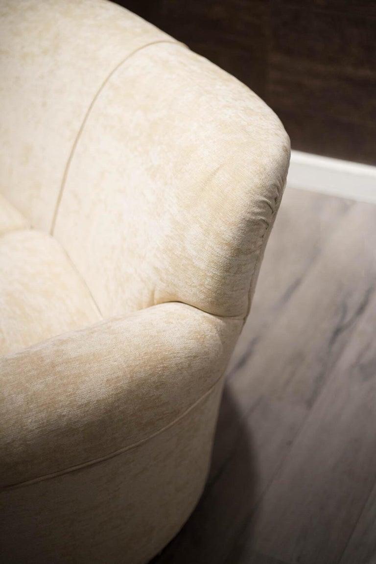 Fabric Fratelli Barni Brianza Mid-20 Century Italian White Curves Three-Seat Sofa For Sale