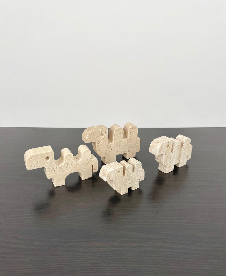 Late 20th Century Fratelli Mannelli Set of Four Camel Sculpture in Travertine, Italy, 1970s
