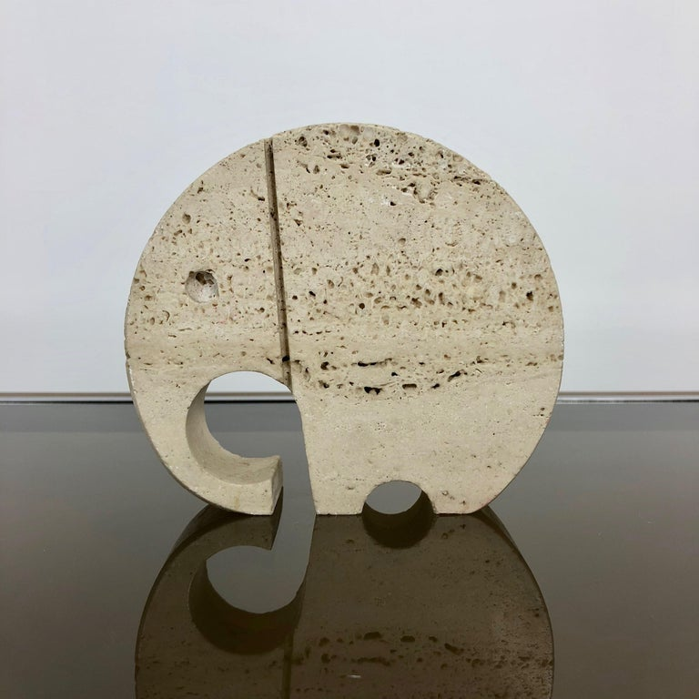 Elephant letter holder designed by Italians Fratelli Mannelli in travertino - Italy 1970 circa.