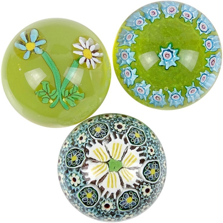 Fratelli Toso Murano Mosaic Millefiori Flower Italian Art Glass Paperweights Set For Sale