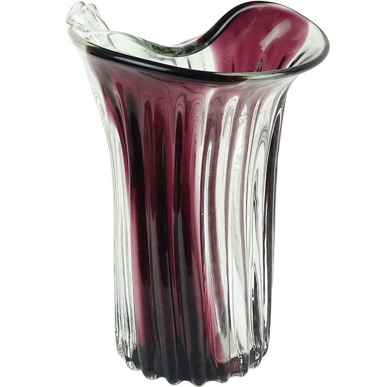 Fratelli Toso Murano lila Streifen italienische Glaskunst Scroll Rand Blumenvasen 1