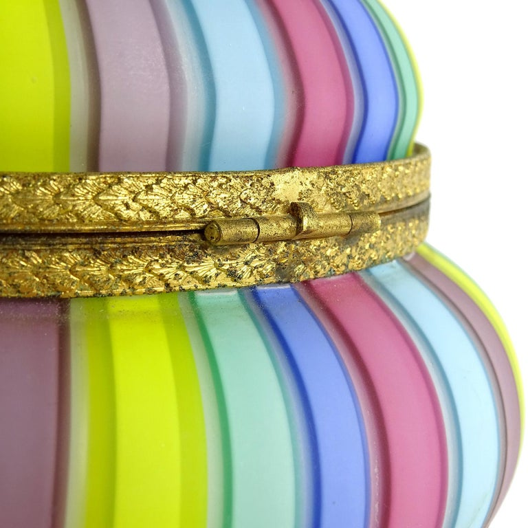 20th Century Fratelli Toso Murano Rainbow Ribbons Italian Art Glass Satin Vanity Jewelry Box For Sale
