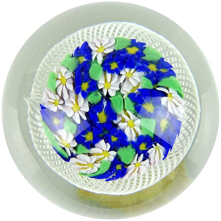 Mid-Century Modern Fratelli Toso Murano Wild Flowers Ribbon Basket Italian Art Glass Paperweight For Sale