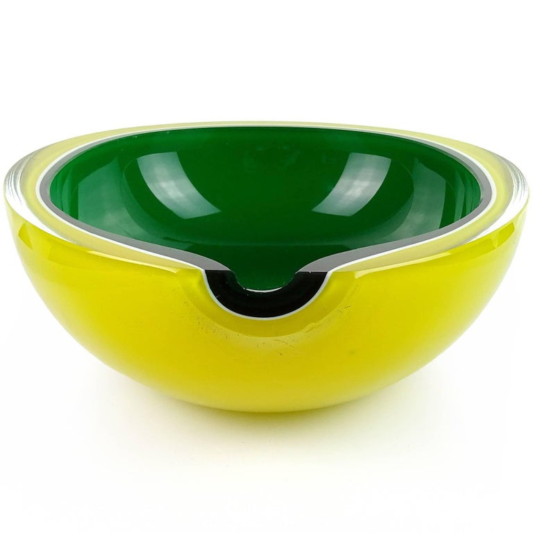 Mid-Century Modern Fratelli Toso Murano Yellow Green Italian Art Glass Melon Cut Decorative Bowl For Sale