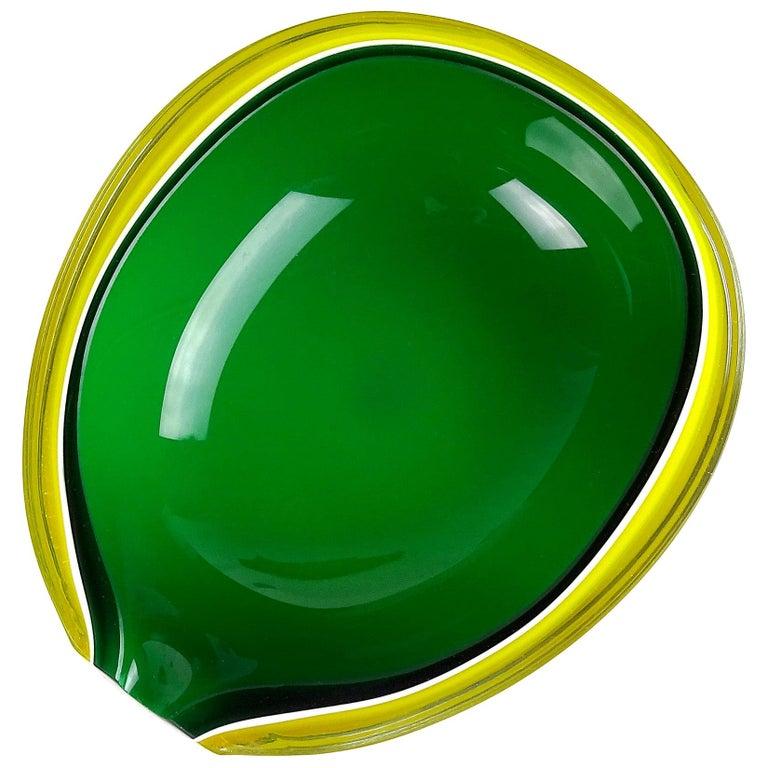 Fratelli Toso Murano Yellow Green Italian Art Glass Melon Cut Decorative Bowl For Sale