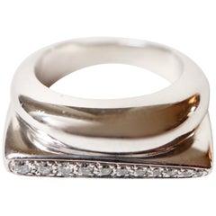 Fred 18 Karat white Gold Ring Set with 11 Diamonds