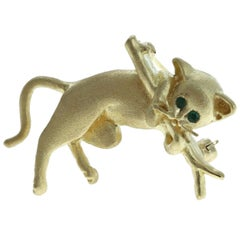 Fred 18 Karat Yellow Gold and Emerald Cat Brooch 8.8g