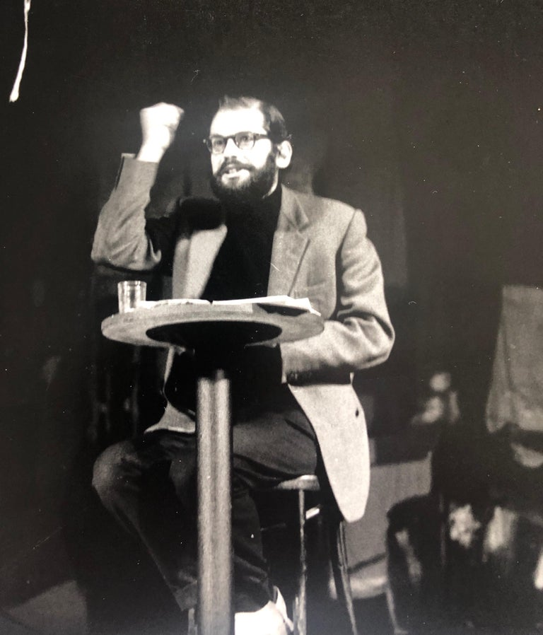 Vintage Print Silver Gelatin Signed Photograph Poet Allen Ginsberg Howl Photo - Black Figurative Photograph by Fred McDarrah