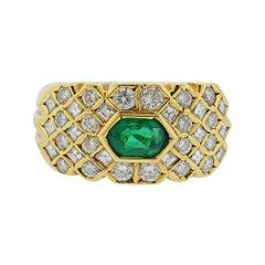 Fred Paris 18 Karat Gold Emerald Diamond Ring