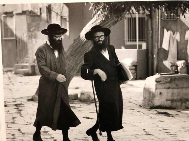 Dans le Quartier Hongrois de Mea Shearim, Jerusalem Vintage Silver Gelatin Print - Photograph by Frederic Brenner